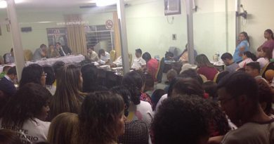audiencia agentes neves 01