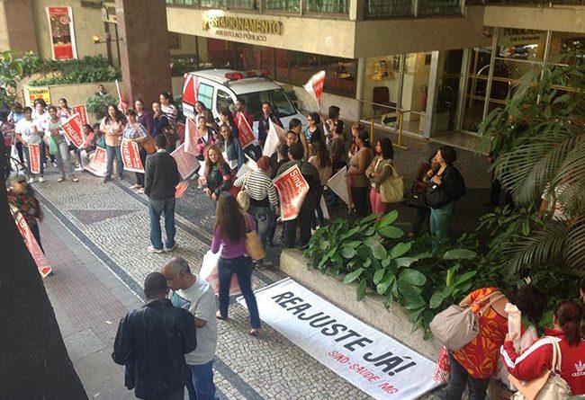 conferencia protesto greve capa