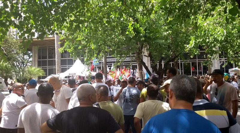1 2 protesto 13 salario posse ALMG 01